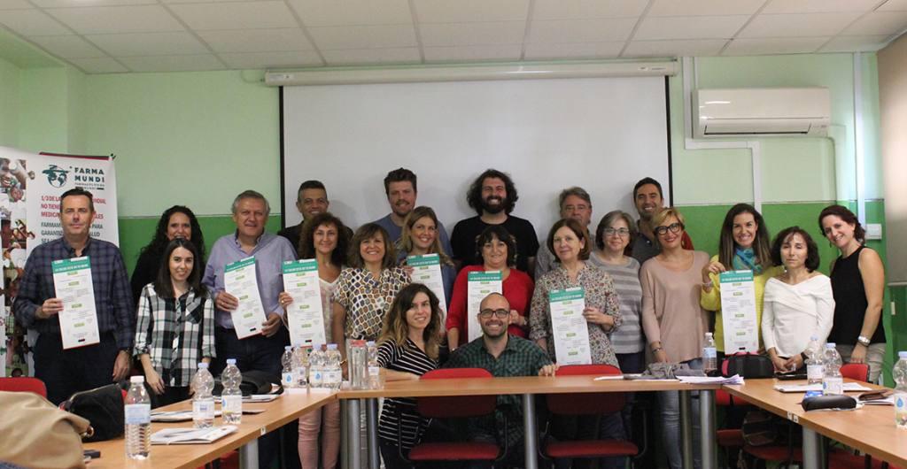 Foto de un taller con profesorado en la 1ª edición de 'La salud está en tu mano'